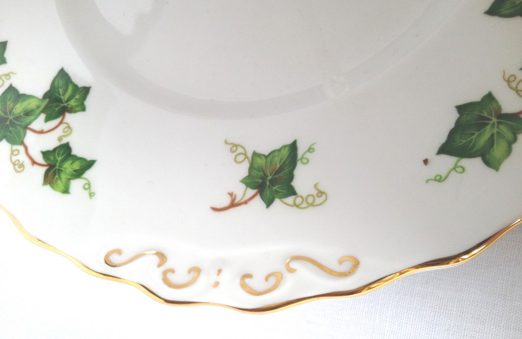 Colclough Ivy Leaf Cake Stand