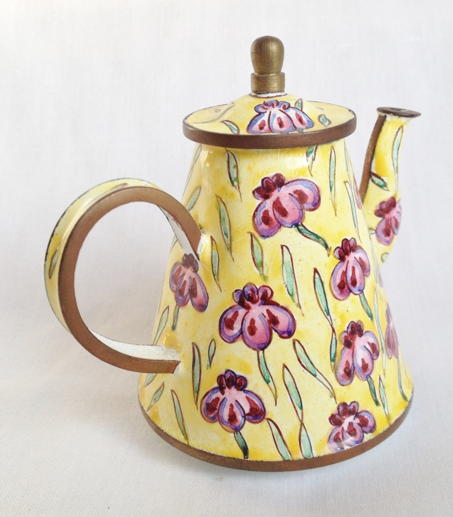nivag collectables trade plus aid purple flowers purple flowers teapot. Black Bedroom Furniture Sets. Home Design Ideas
