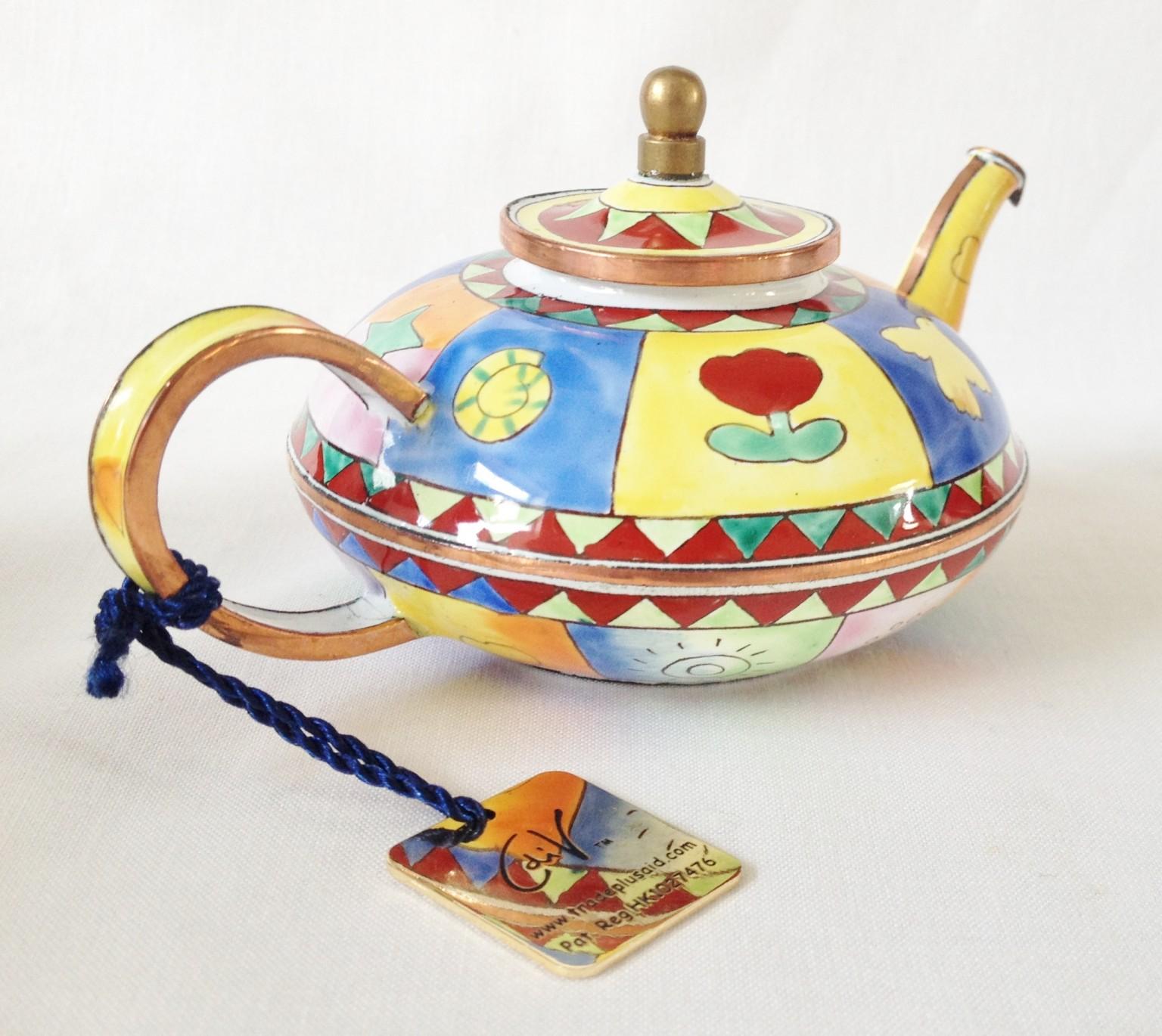 nivag collectables charlotte di vita magic carpet magic carpet teapot. Black Bedroom Furniture Sets. Home Design Ideas