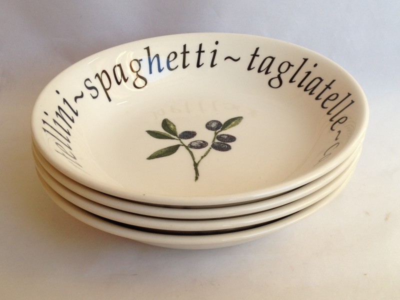 The bowls have been used and do show light cutlery marks but are all in very good condition. & Nivag Collectables: Creative Tableware - Italian: Cereal Bowls x 4