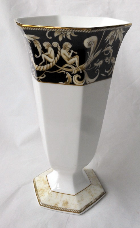 Nivag Collectables Wedgwood Cornucopia Bicentenary Celebration Vase