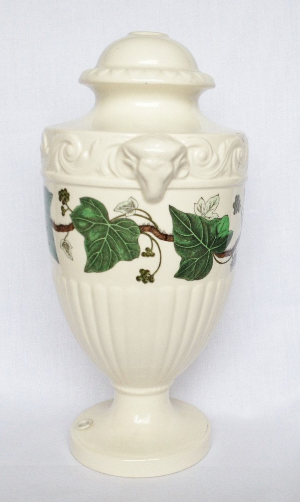 Nivag Collectables Wedgwood Napoleon Ivy Lamp Base