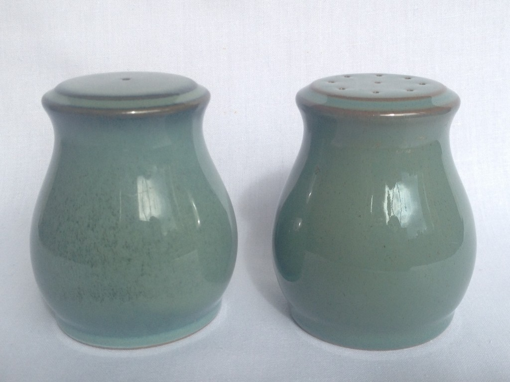 Nivag collectables denby regency green salt and pepper Salt n pepper pots